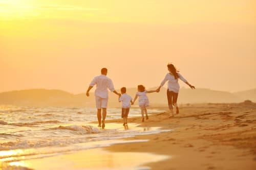 Những kỳ nghỉ bên gia đình sẽ đong đầy tâm hồn mỗi người bằng những màu sắc yêu thương và một cuộc sống trọn vẹn.