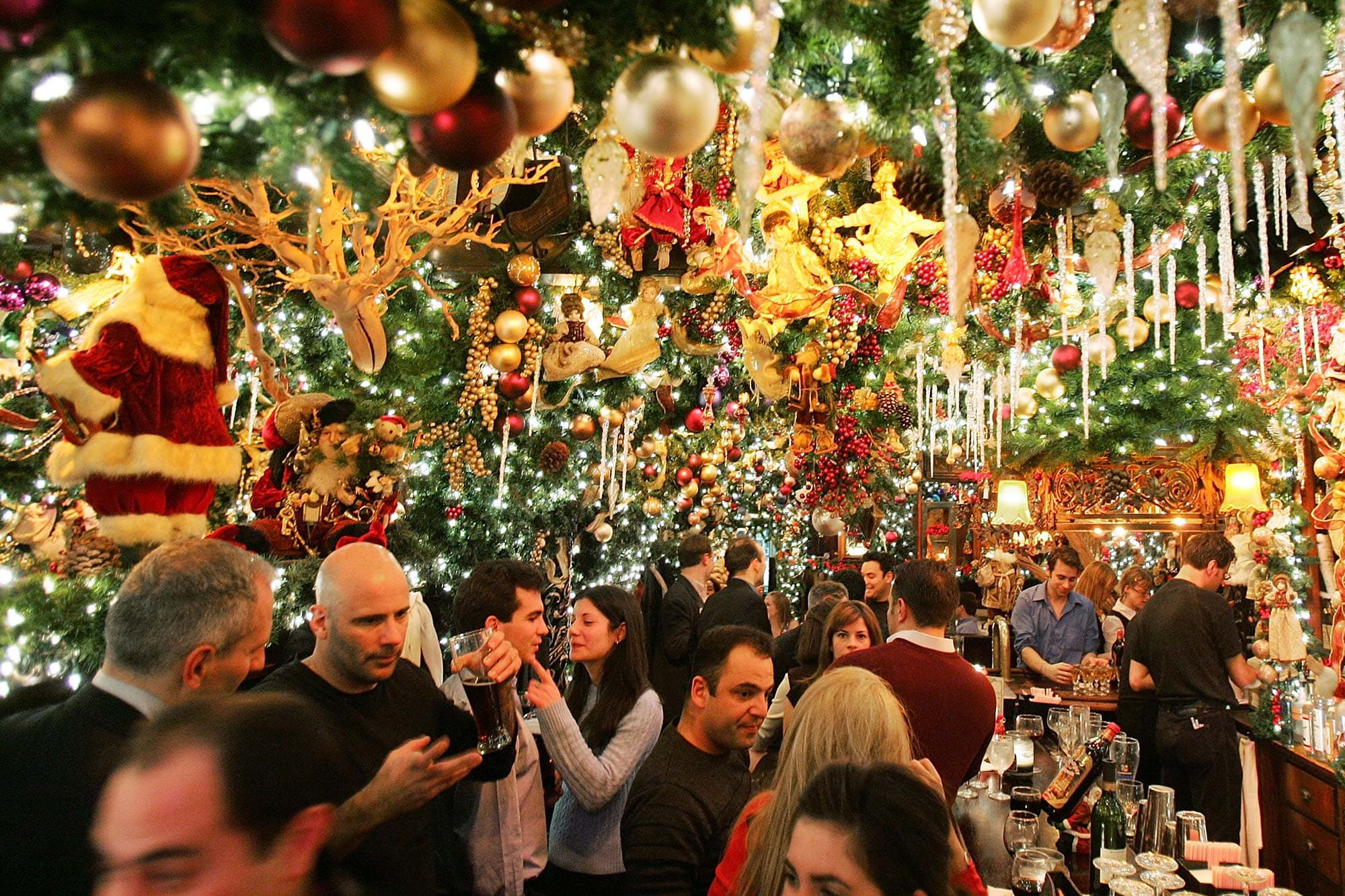 rolfs german restaurant christmas holiday new york city XMASNYC1118