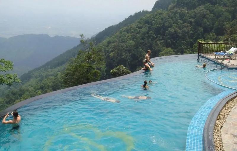 """Resort gần Hà Nội có bể bơi tràn bờ """"Belvedere Tam Đảo Resort"""""""