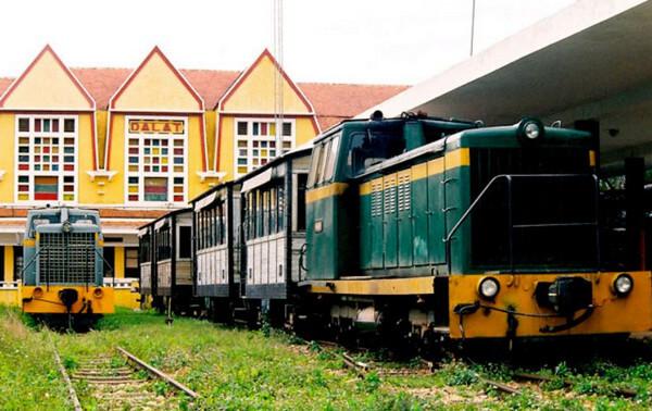 Nhà ga xe lửa cổ đà lạt
