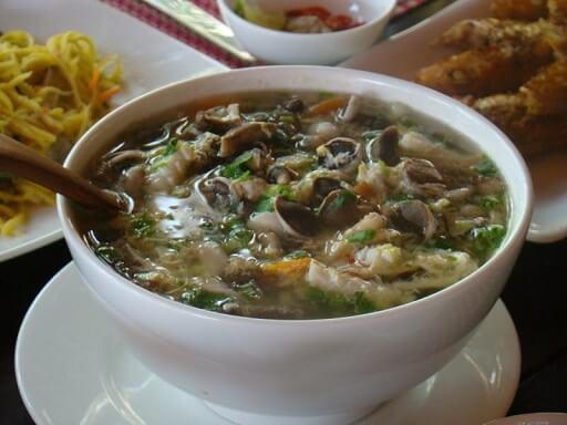Canh nấm tràm hải sản