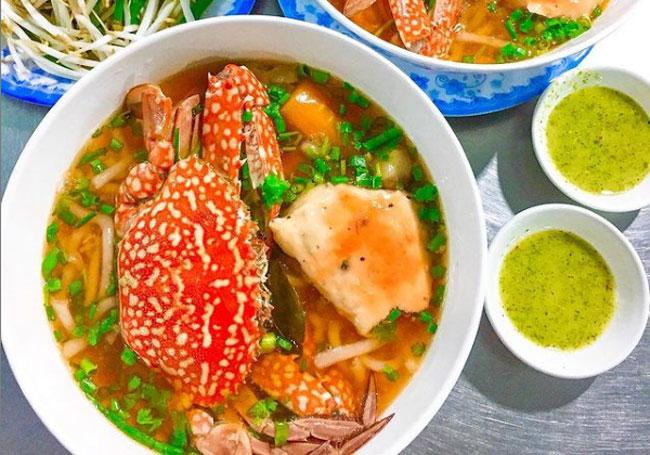 Bánh canh ghẹ Phú Quốc